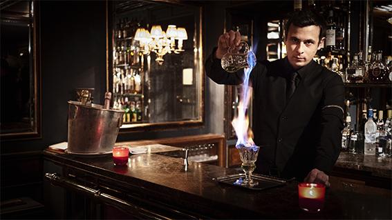 Barman Lapérouse / ©Lapérouse