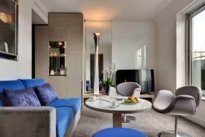 Suite Sancy côté Salon - la Villa Maillot / © La Villa Maillot