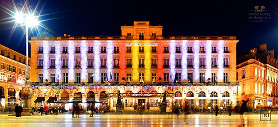 Facade Grand Hotel de Bordeaux Nuit / ©David & David