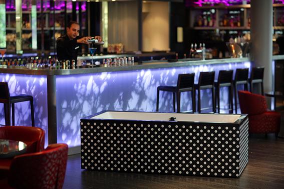 Le Bath Bar du Renaissance