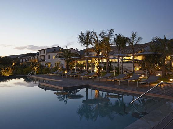 Pool Hotel Mas Lazuli